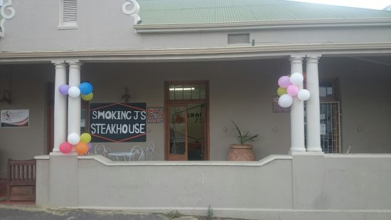 Caledon, Sør-Afrika: Smoking J's