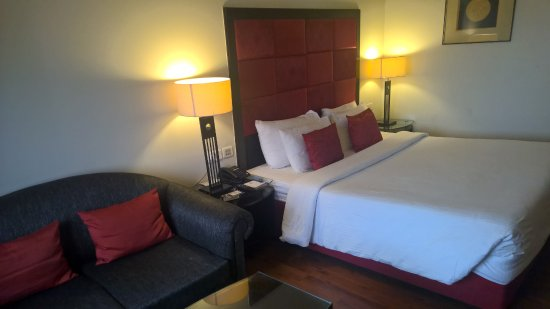 Park Plaza Ludhiana: The rooms are HUGE and the bed is comfortable