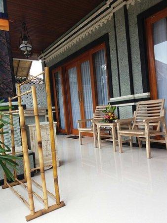 Candra Bali Surf School Homestay