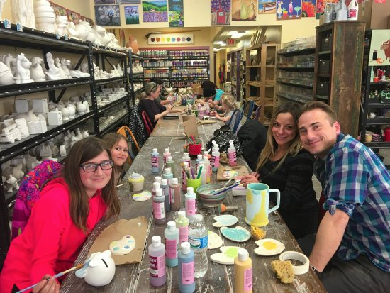 Royal Oak, MI : Fun for the whole Family! Mom, Dad and kids can just walk-in at Creative Arts Studio.