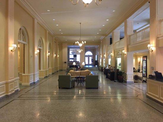 Staunton, VA: Main Lobby