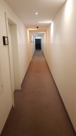 The Hotel 1060 Vienna: Just a soulless corridor