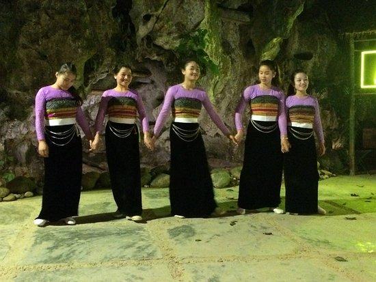 Mai Chau, Vietnam: Cultural dance evening