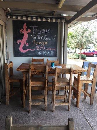Marcoola, Australia: Outside Dinning BYO