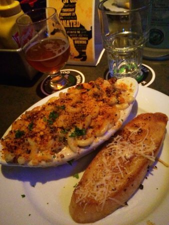 Kalamazoo, MI: Mac N Cheese (added portobello & bacon)