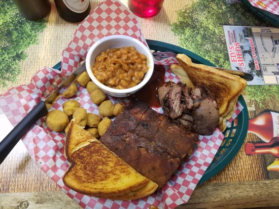 Niceville, FL: Ribs and brisket with fried okra and beans