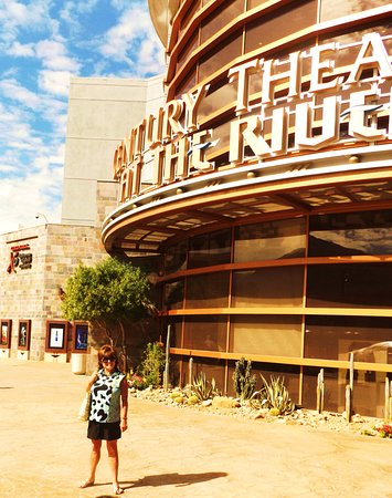 Rancho Mirage, CA: Just renovated theaters