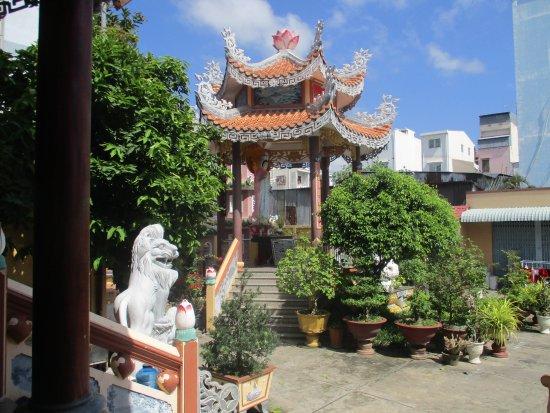 Long Xuyen, Vietnam: Photo prise par Guy Lazignac_10179_130422_Chùa Quảng Tế_Long Xuyên_VN