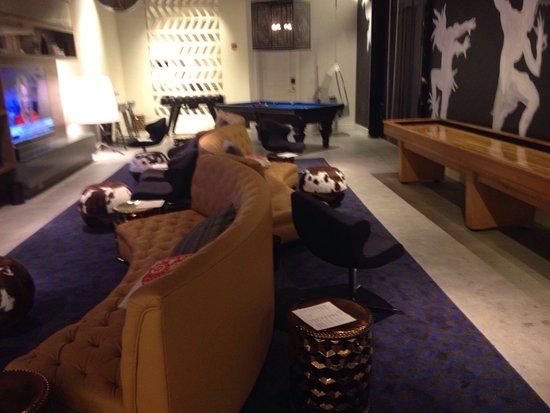 Hotel Colonnade Coral Gables, a Tribute Portfolio Hotel: Hotel buen aspecto pero sorpresa en la toalla. Cucarachilla y mini hormigas por la habitación.
