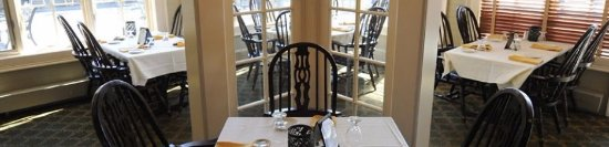 Raynham, MA: Dining room in Publick's restaurant