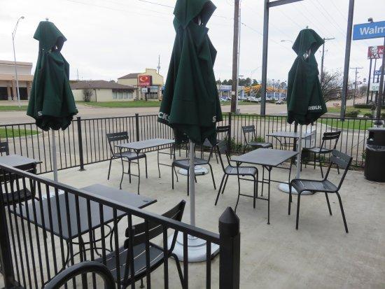 Texarkana, AR: Outside patio