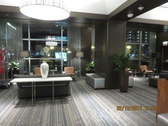 Wyndham Grand Chicago Riverfront: Lobby del Hotel