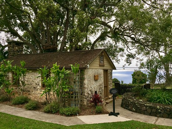 Kula, Hawaje: The outside of the old jail - Now a beautiful tasting room