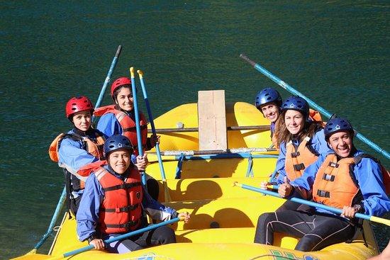 Patagonia Elements: 12 de febrero de 2017. Excelente experiencia en rafting!