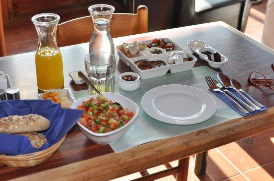 Amirim, Israël: Breakfast!