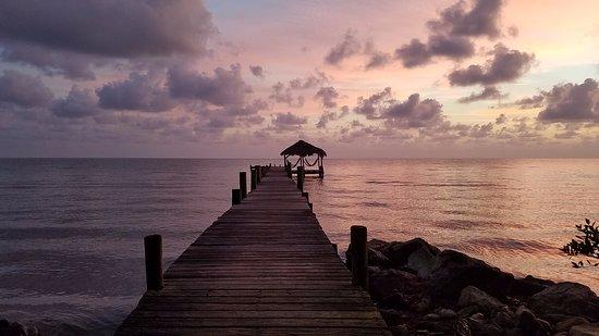 Pelican Beach - Dangriga: Pelican Beach Dock and Palapa