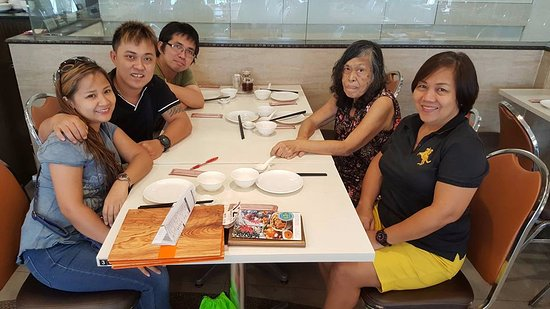 Crystal Jade: The family that eats together stays together