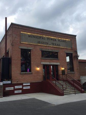 Seguin, TX: The restaurant entrance