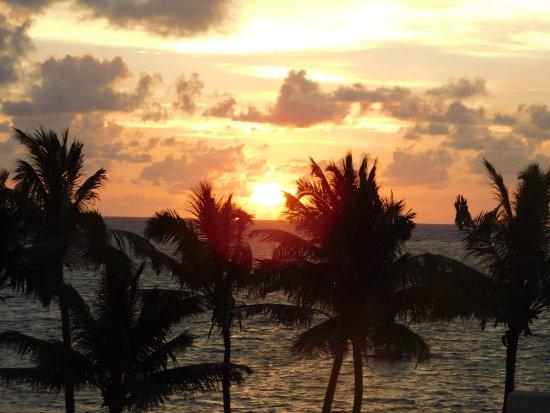 The Phoenix Resort: Sunrises were beautiful!