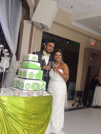 Concord, Canada: The Cake!!