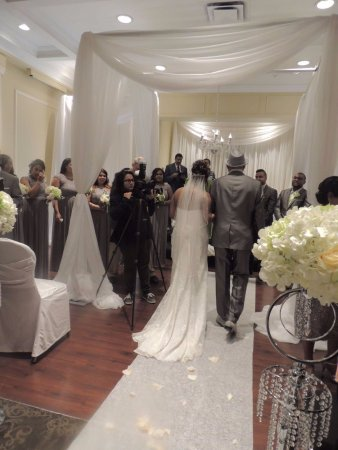 Concord, Canada: Walking down the aisle in the Ceremony Room!