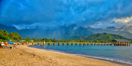 Hanalei, Havaí: Wonderful view of the pier and hills.