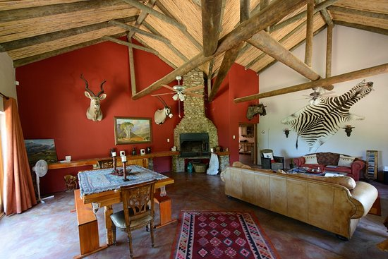 Ladismith, South Africa: Pinotage Farmhouse Living Room with build in Braai,Full HDTV and DSTV with Free Wifi