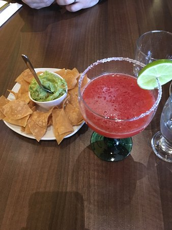 Vaxjo, Schweden: The lamb tacos were Devine and despite the small size of my margarita it did do the trick. I wou