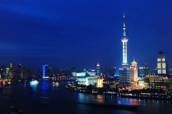 Les Suites Orient, Bund Shanghai: Centrally located on the world famous Bund. our hotel offers a panoramic view