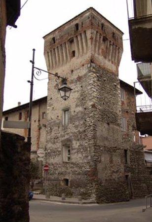 Romagnano Sesia, Itália: l TORRIONE DEL PRETORIO è una torre a pianta quadrata.