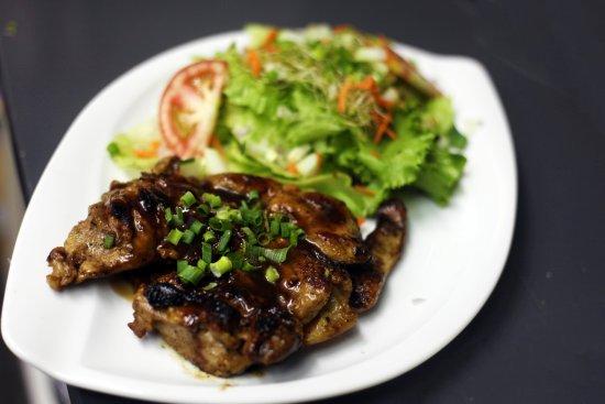 Arue, Französisch-Polynesien: poulet mariné