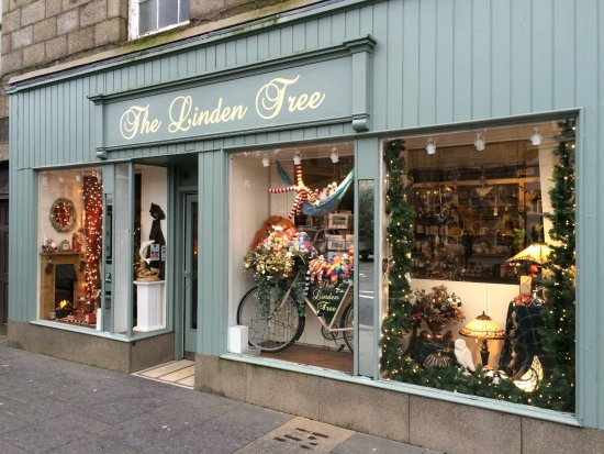 Huntly, UK: The Linden Tree on The Square.  Arts, Gifts and hand made Crafts.