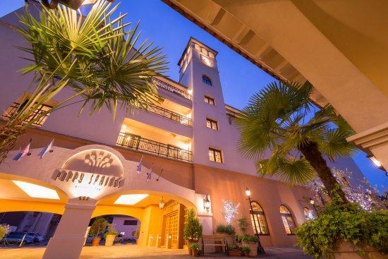 Poppy Springs Resort & Spa