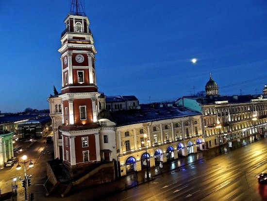 Belmond Grand Hotel Europe : View of Nevsky Prospekt from Jr. suite #353