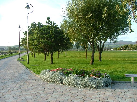 Dungarvan, Irland: Lawn Park - 2 minute walk from hotel