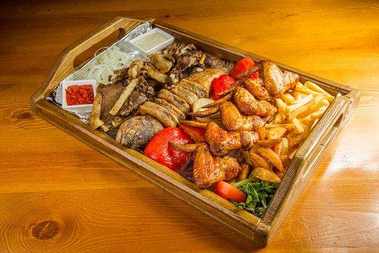 Osh, جمهورية قرغيزستان: Убойная мясная тарелка