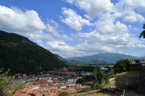 Foix, France: Vistas de la ciudad