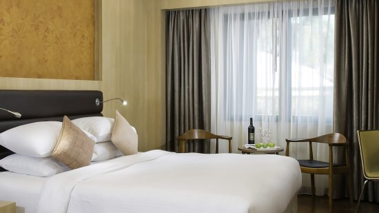 MiCasa Hotel Apartments Yangon Managed by AccorHotels : Deluxe Double Room - 32 sqm