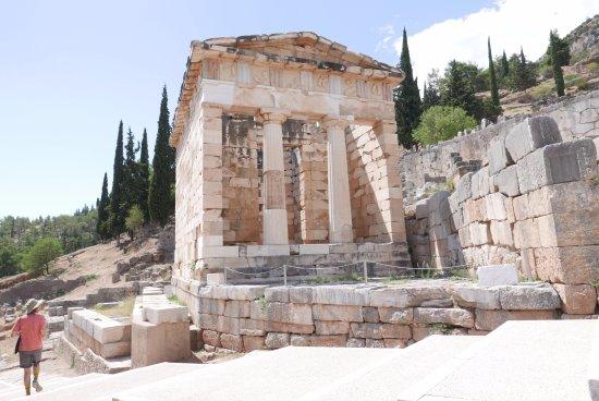 Ruines de Delphes : Odtworzony skarbiec Atenczyków