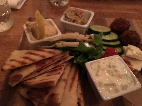 Brunswick, ME: Delicious Mediterranean platter