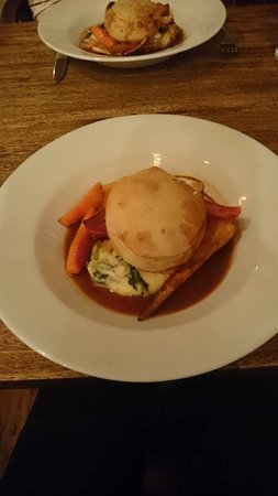 Wedmore, UK: Pheasant and Ham Hock Pie!