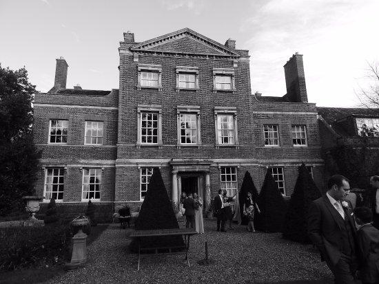 Godmanchester, UK: garden view of hall