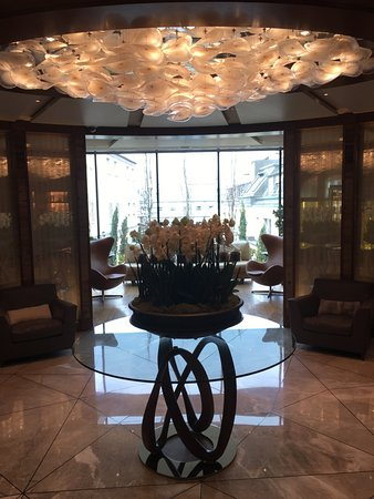 Four Seasons Hotel des Bergues Geneva: spa area