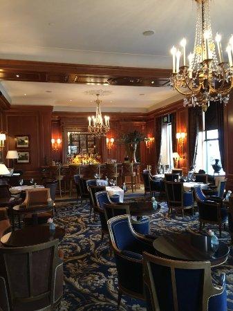 Four Seasons Hotel des Bergues Geneva: bar