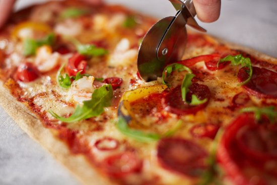 Buckhurst Hill, UK: Surf & Turf Executive Pizza