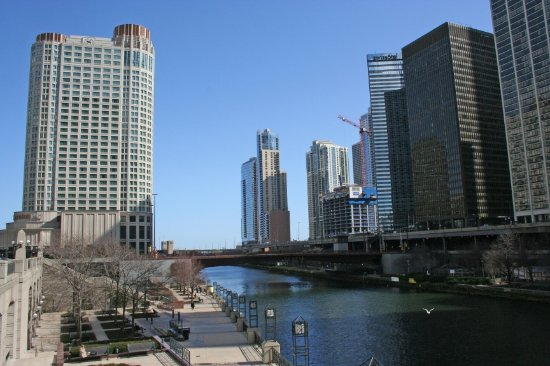 view of the hotel at chicago river picture of sheraton. Black Bedroom Furniture Sets. Home Design Ideas