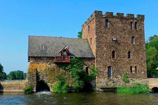 La Table du Meunier: Le Moulin de Chenillé-Changé