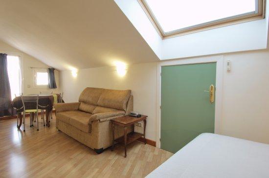 Hotel apartamentos aralso reviews segovia spain tripadvisor - Apartamentos aralso segovia ...