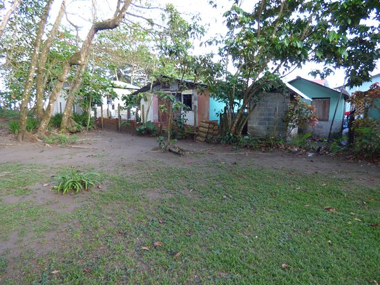 Mawamba Lodge: Tortuguero town area.