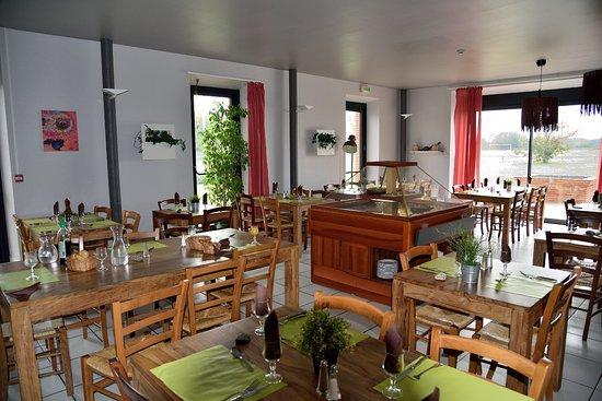 Mazeres, France: Salle du restaurant